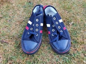Några av de skor som gavs till studenterna